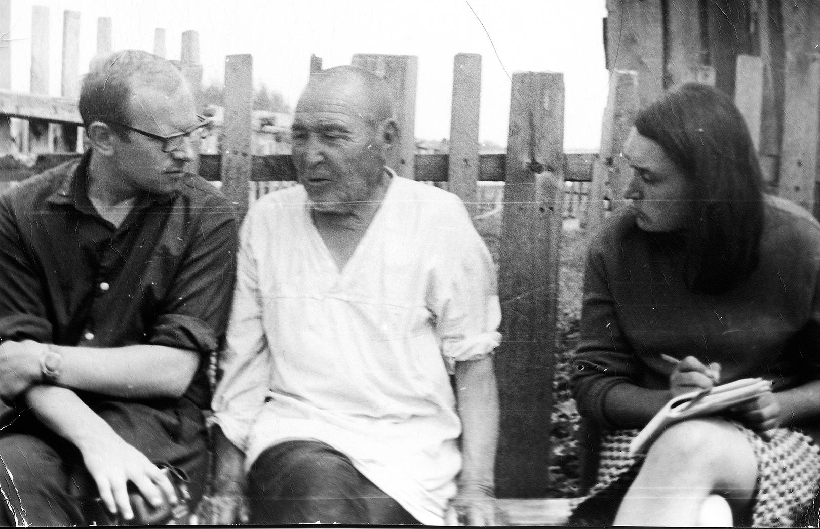 Фото 1. Н.А. Томилов в экспедиции. 1970-е годы.
